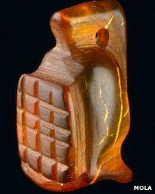 Amuleto in ambra