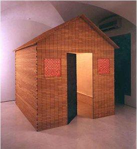 Liliana Moro, Dumme Gans, 2002, struttura in legno biscotto e caramelle esposta alla mostra Food, Ginevra