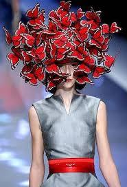 Phlip Treacy per Alexander Mc Queen, Butterfly headdress, 2008