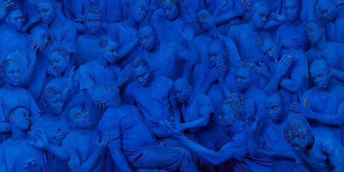 4_liu-bolin_blue-europe-ld